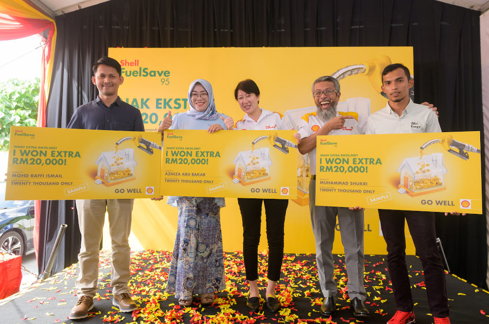 Shell Malaysia Gives Away Money, Wants To Give At Least RM20k More