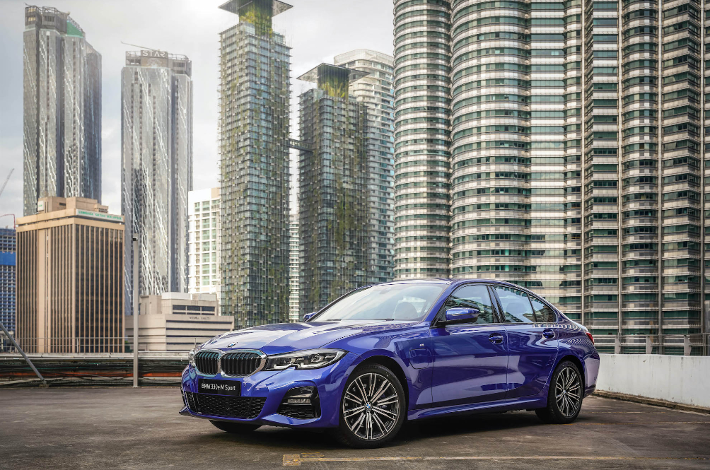 The G20 BMW 330e M Sport Is The Tree-Hugger Of The 3 Series Family