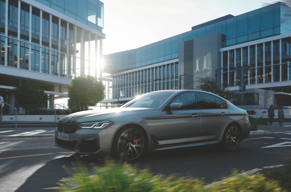 Here's The 'More Traditional' BMW 5 Series 530i If PHEV Isn't Your Jam