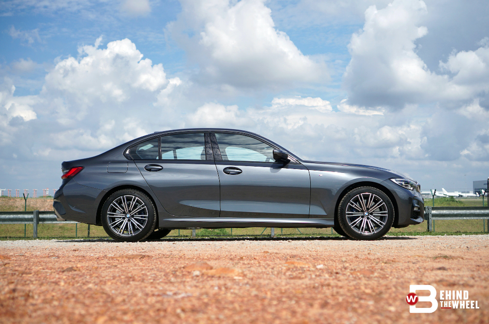 [REVIEW] BMW 330e Panders Your Need To be Green And Garang But Not At The Same Time