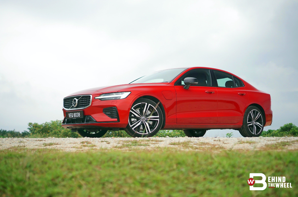 [REVIEW] Volvo S60 T8 Is Really Two Cars In One Classy Body