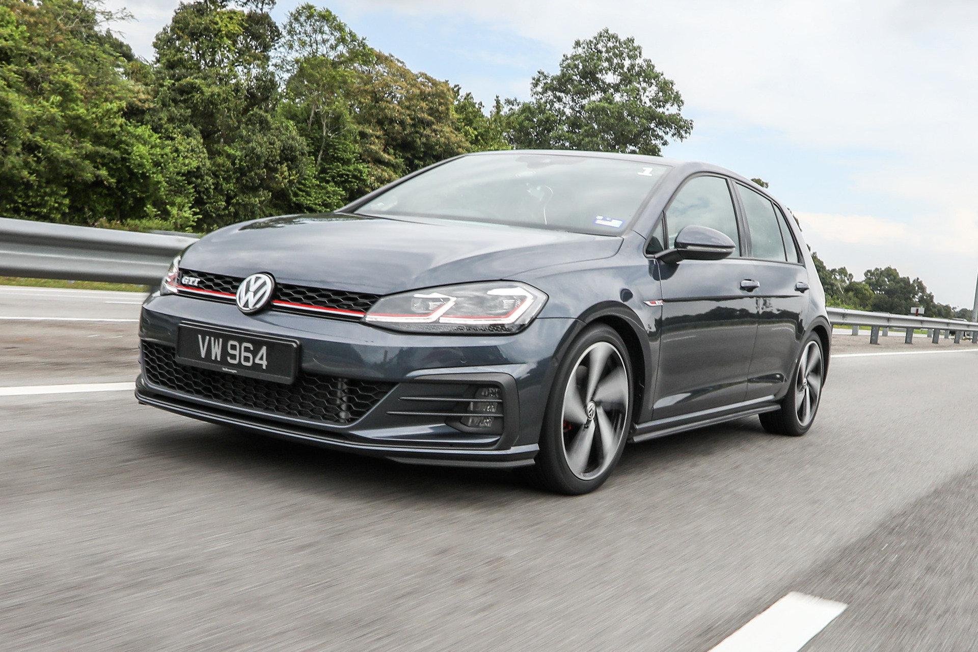 Volkswagen Golf Gti Mk7 5 Review Still The Hole In One Btw Rojak Daily