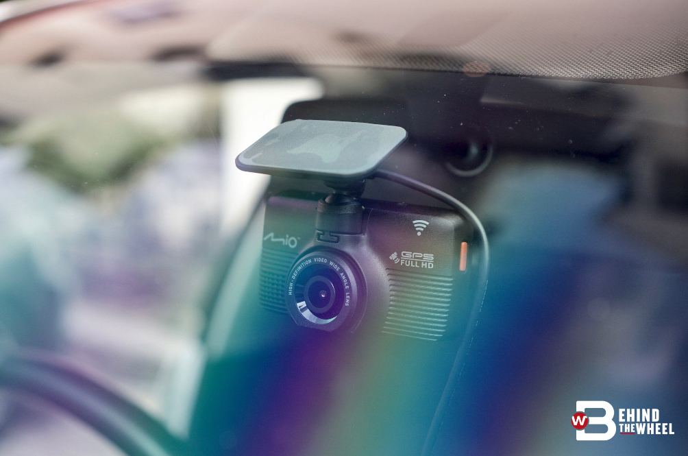 Mio MiVue 792 Dash Cam Review: When The Lights Go Out, This Dashcam Still Sees All