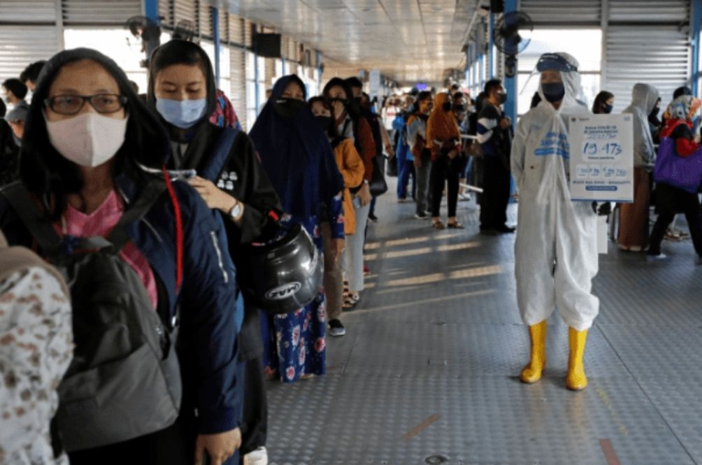 Indonesia Considering Cutting Down 2021 Holidays To Prevent COVID-19 Spread