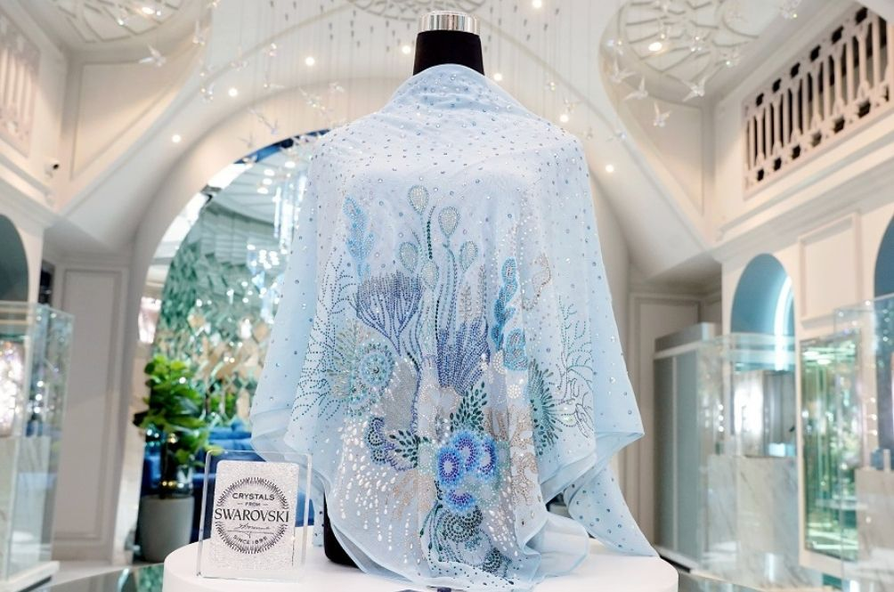Bling To The Max: Seafood Restaurant Owner Orders Custom-Made Tudung Worth RM75,000
