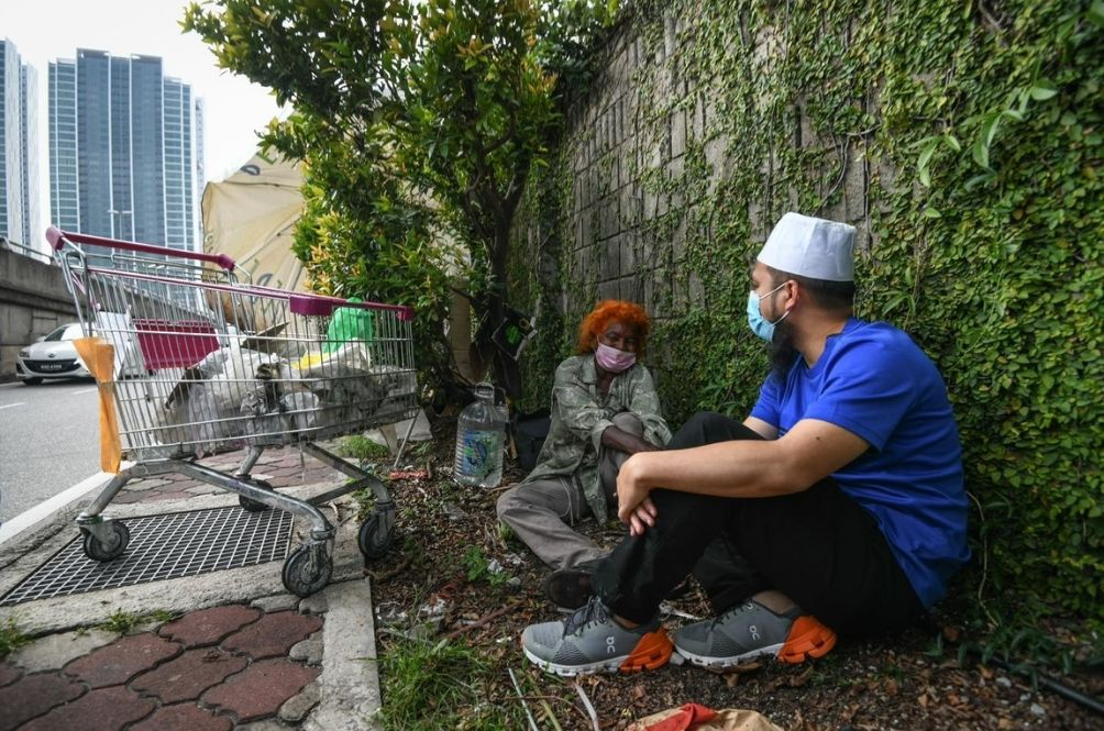 Ebit Lew Gets New Home For Woman Who Has Been Sleeping Under Tree For 14 Years