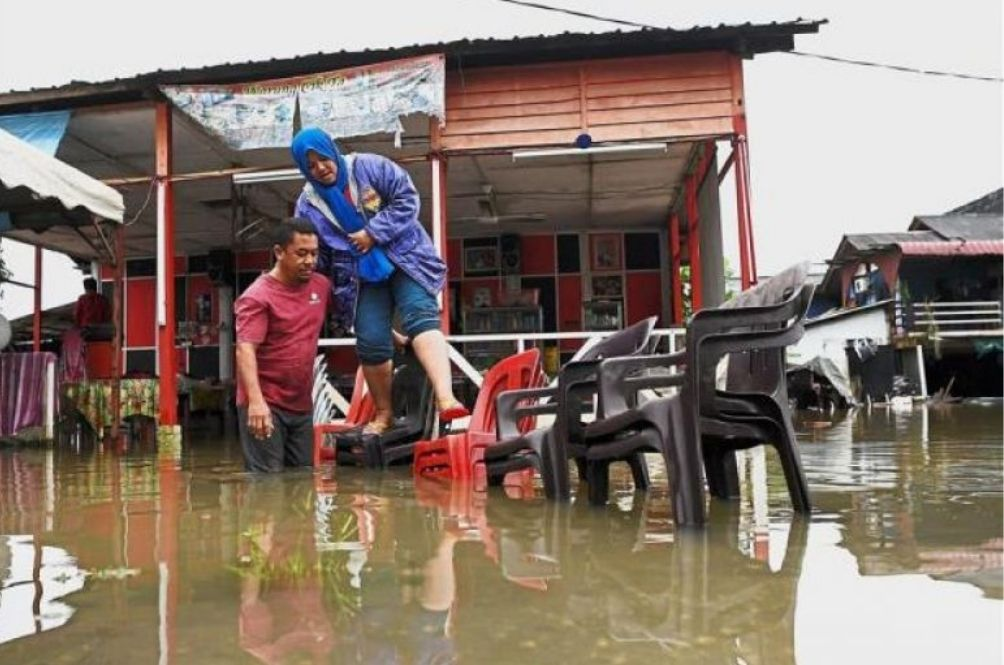 Flood Evacuees Decrease In Most States But The Meteorological Dept Warns Of More Rain To Come