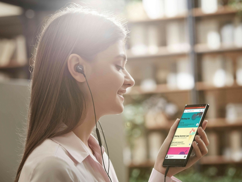 Fungsi Bixby pada Galaxy Note 8 direka supaya lebih mesra pengguna.