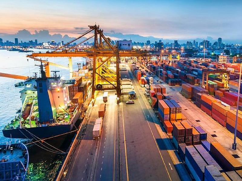 Malaysia mencatatkan pertumbuhan eksport 24.1 peratus bagi suku pertama 2017.