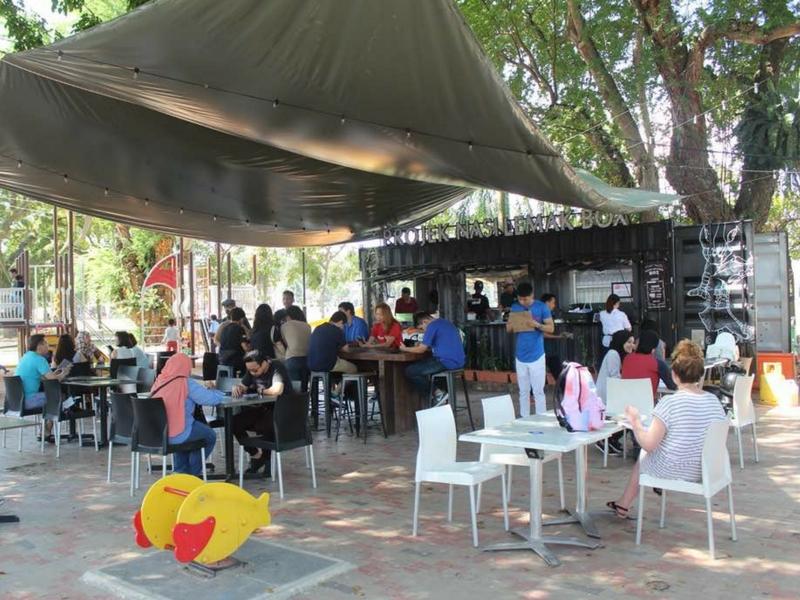 Projek Nasi Lemak Box terletak di Padang Kota Lama, Pulau Pinang.