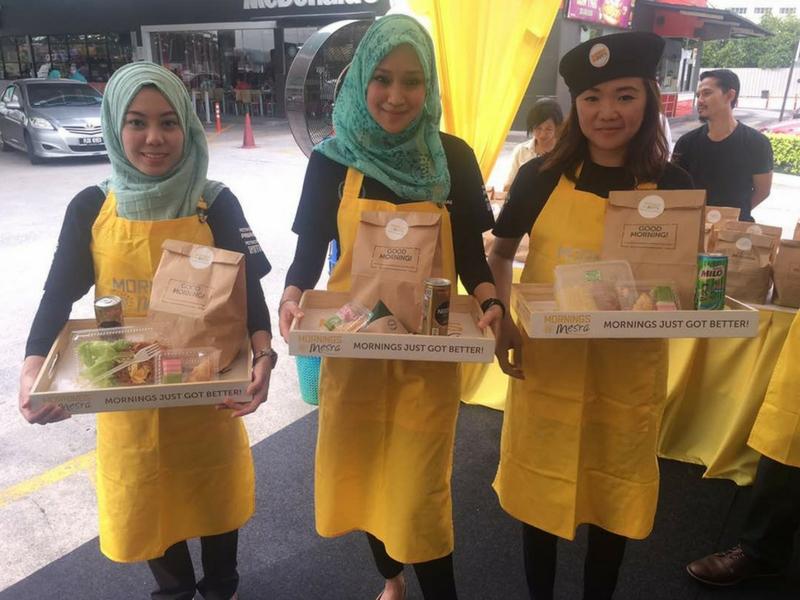 Aneka juadah sarapan pagi dijual di 450 stesen Petronas di seluruh negara.