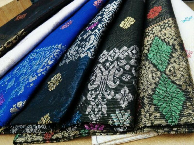 Industri songket tenun menjadi antara keistimewaan produk tradisional yang masih mendapat permintaan tinggi di pasaran.