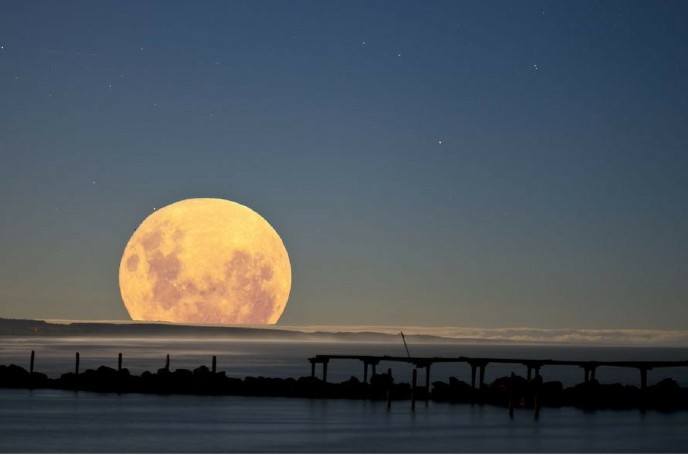 Fenomena 'Super Blue Blood Moon' Kembali Selepas 152 Tahun!