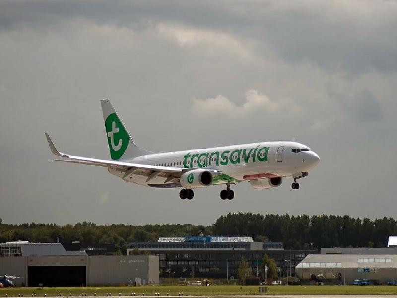 Pesawat Transavia Airlines Flight HV690 terpaksa melakukan pendaratan kecemasan di Vienna, Austria baru-baru ini.