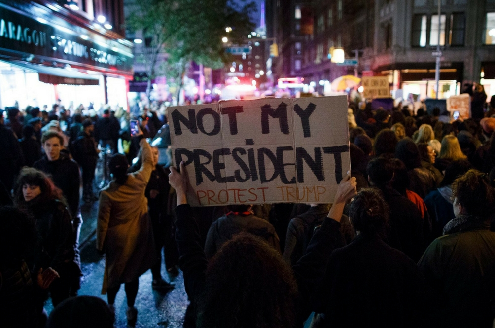 Demonstrasi #NotMyPresident Protes Donald Trump Sebagai Presiden Amerika Syarikat