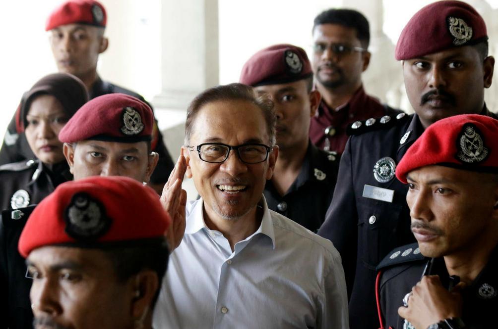 Berakhirnya Episod 'Jeriji Besi' Anwar Ibrahim
