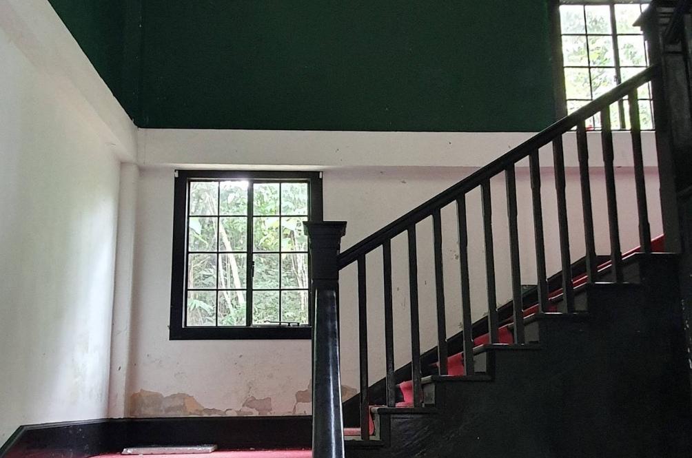 Anda akan lihat tangga ini dalam filem Misteri Dilaila.