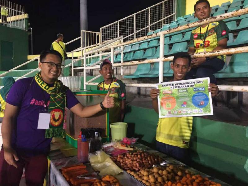 Usaha penyokong Kedah pada perlawanan hujung tahun lalu.