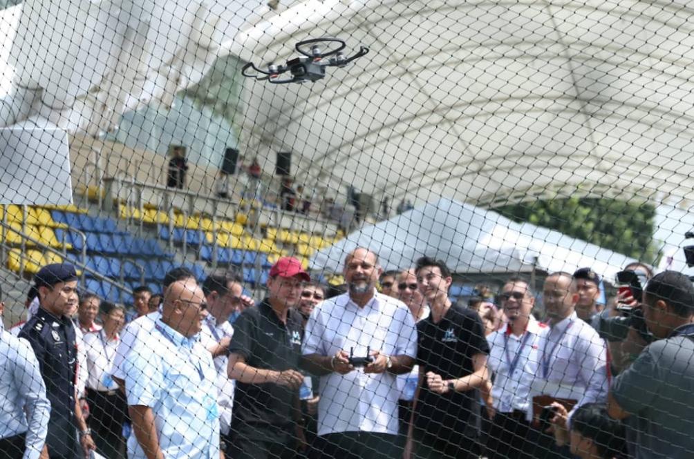 Malaysia Makin Canggih, Lepas Ni Hantar Barang Guna Dron Je!