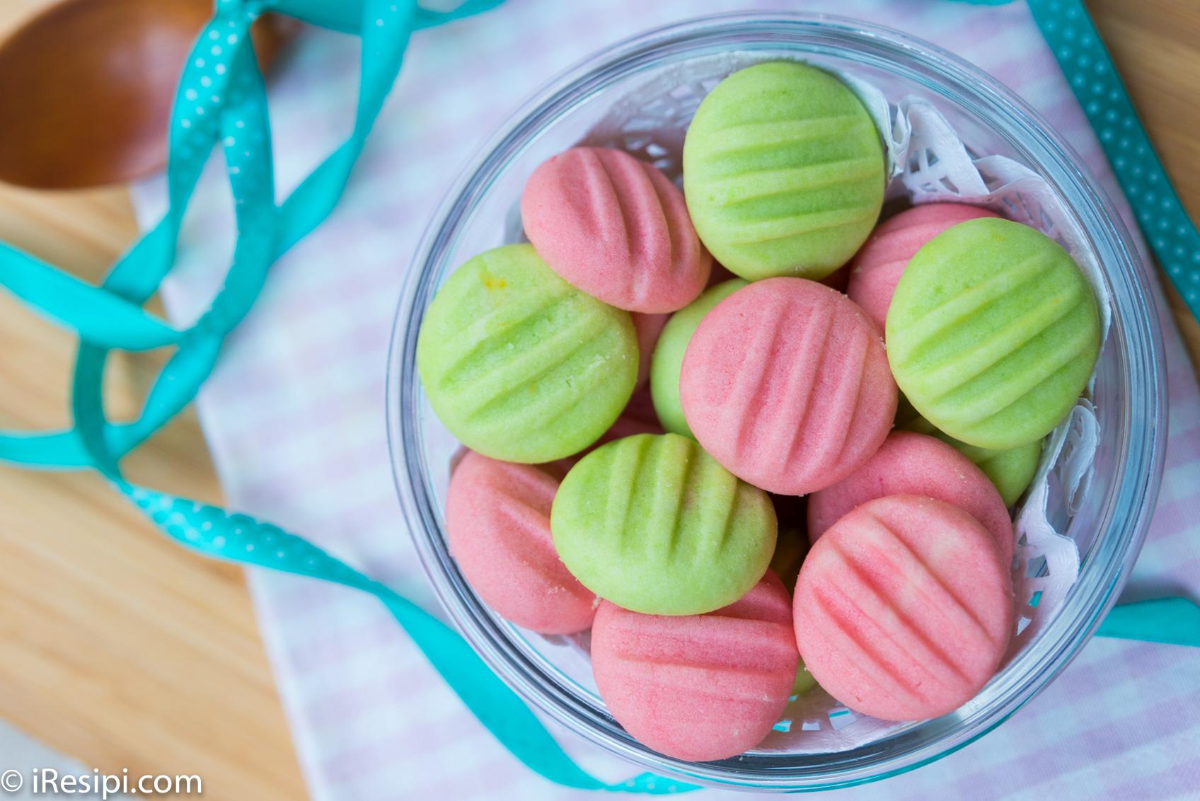 Cantik susunan biskut kalau kombinasi warna ini.