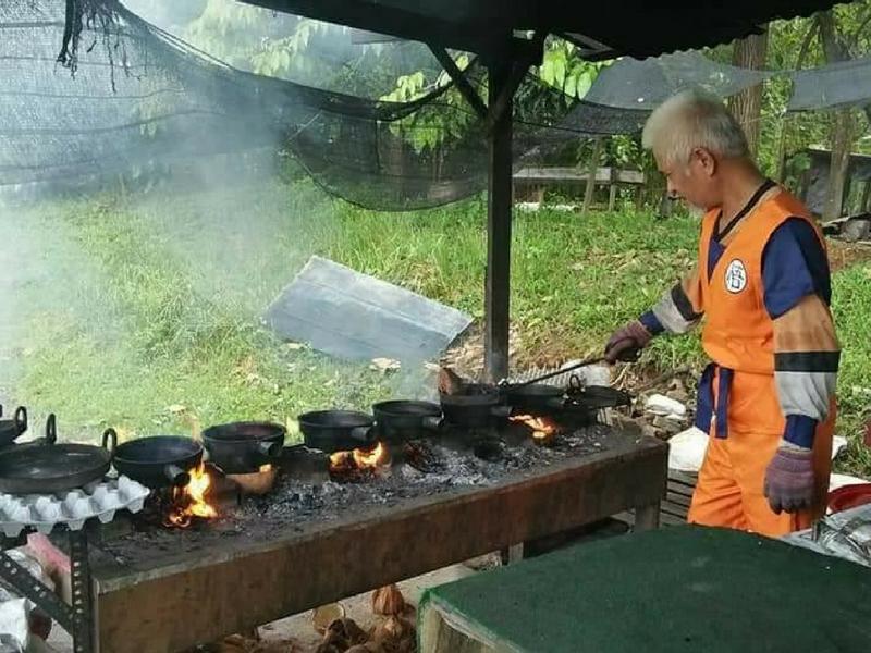 Jangan terkejut kalau terserempak dengan Son Goku ini.