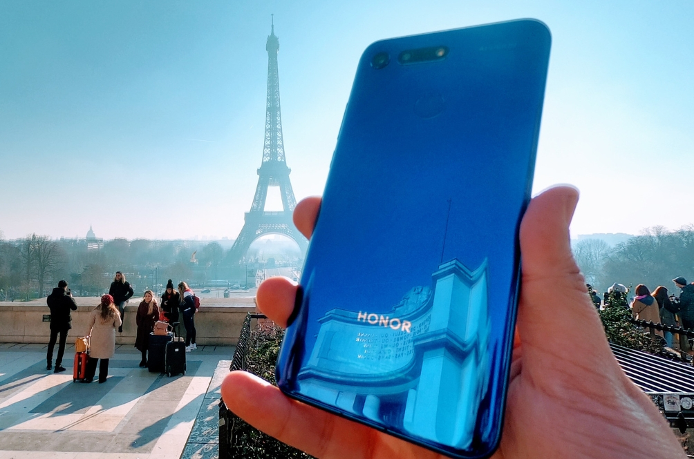 Bonjour! Honor View20 Dilancarkan Secara Global Di Paris!