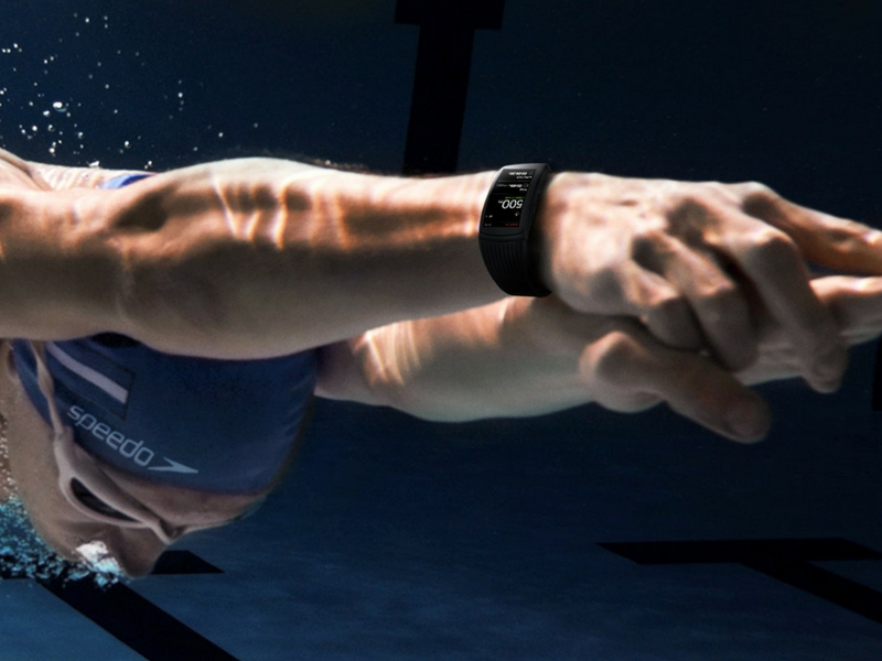 Untuk penggemar sukan renang, Gear Fit2 Pro mungkin untuk anda.