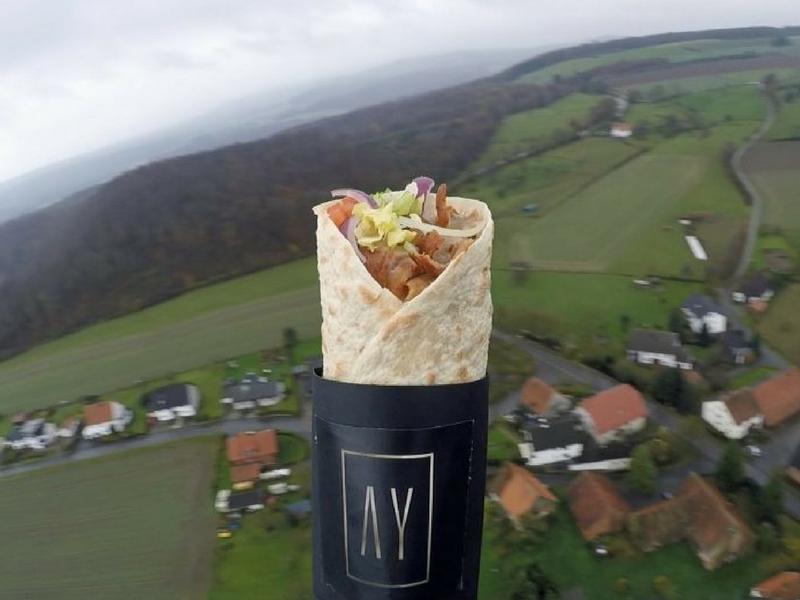 Ade yang ingin menikmati kebab pada paras ketinggian ini?