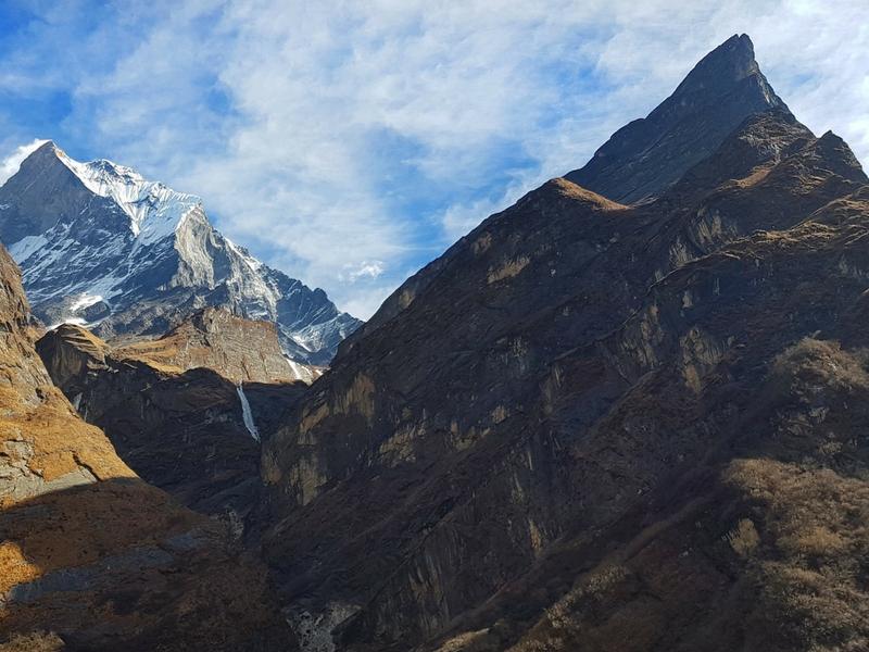 Permandangan dari ABC menghala ke gunung machapuchare