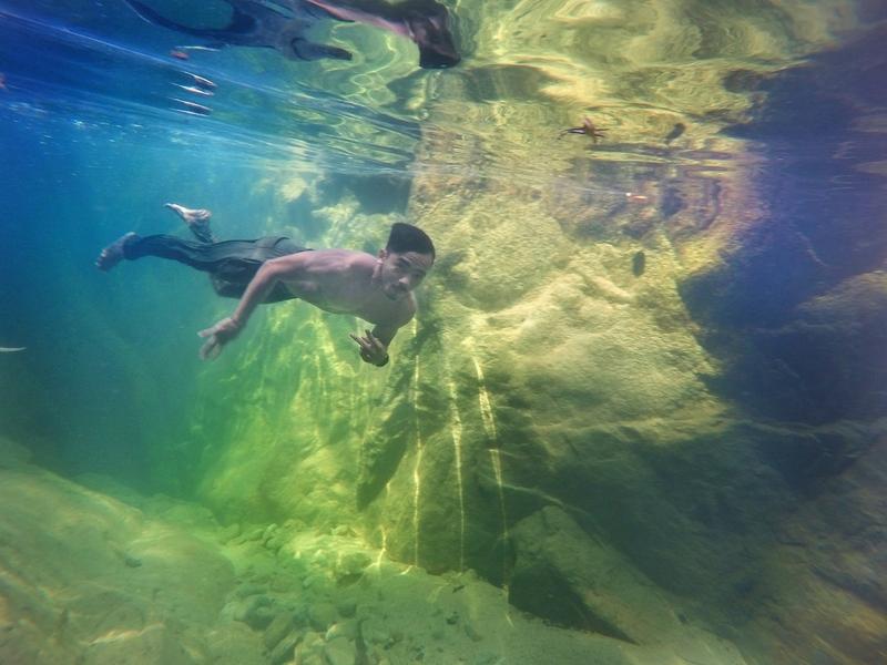 Gambar murshid menyelam di Sungai Bangan, Terengganu pernah menjadi tular pada tahun 2015