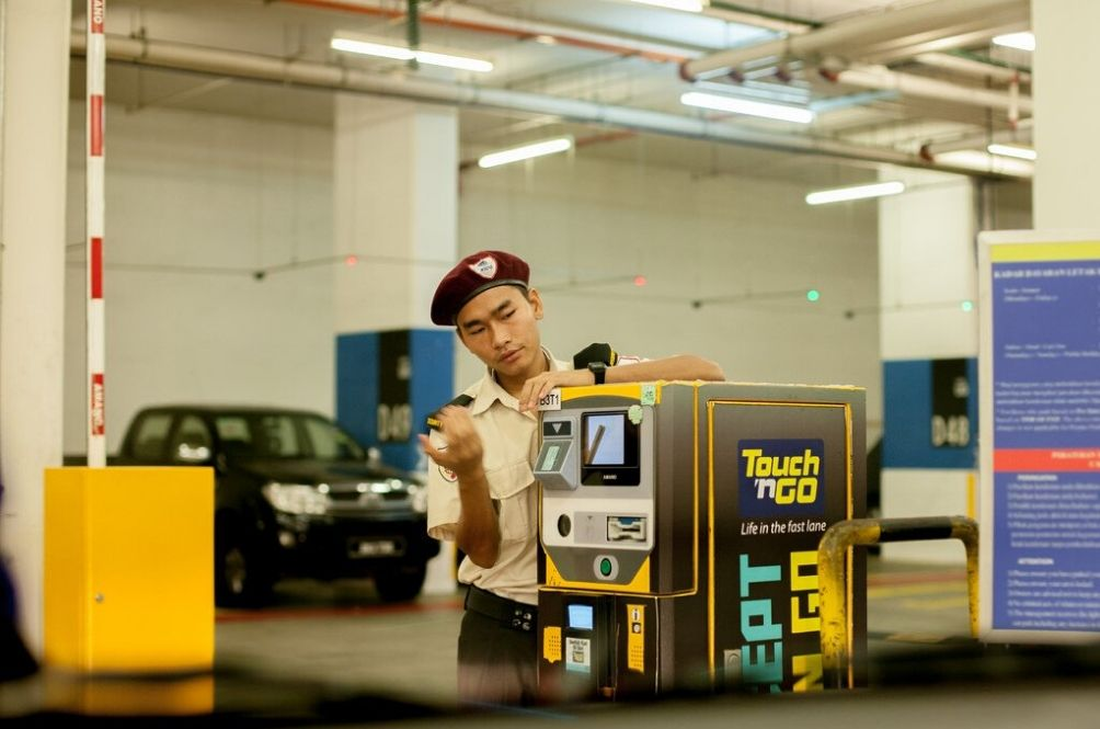 Yeay, No More Touch n' Go Surcharge Fees When You Pay For Parking!