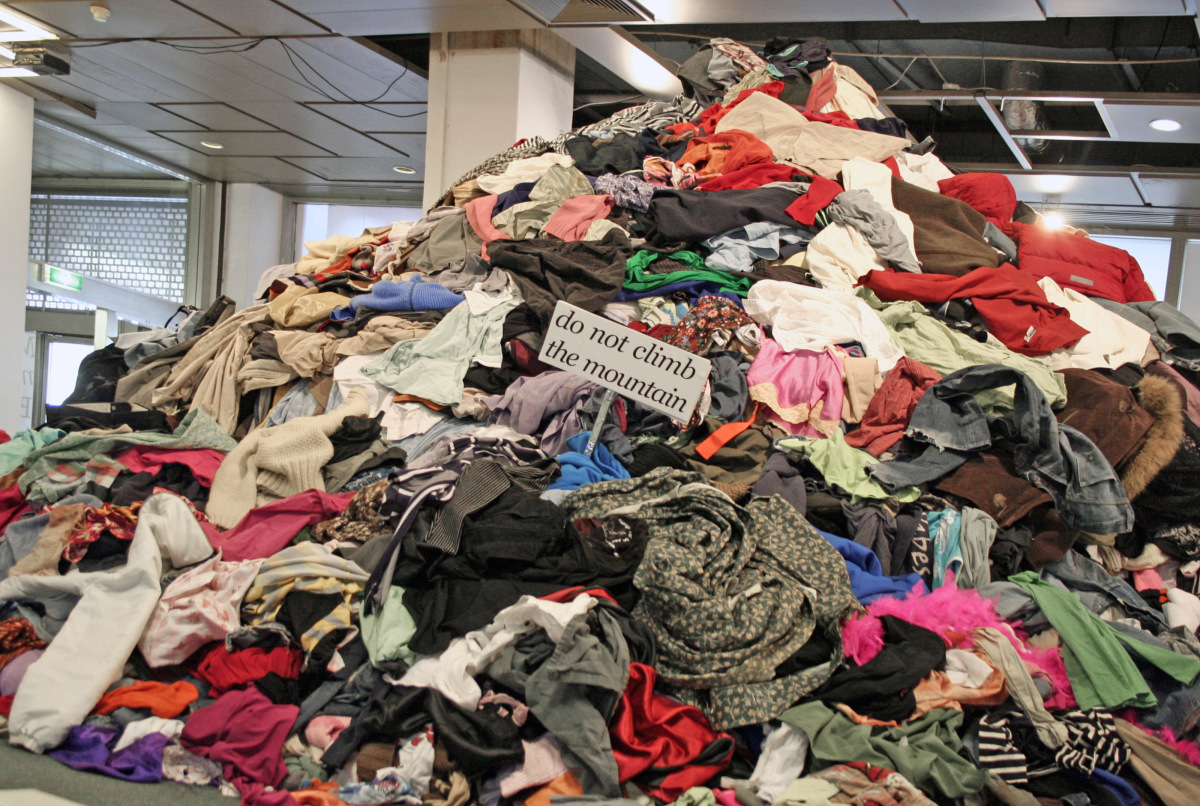 Do you have a mountain of unworn/unused clothes hiding in your closet?