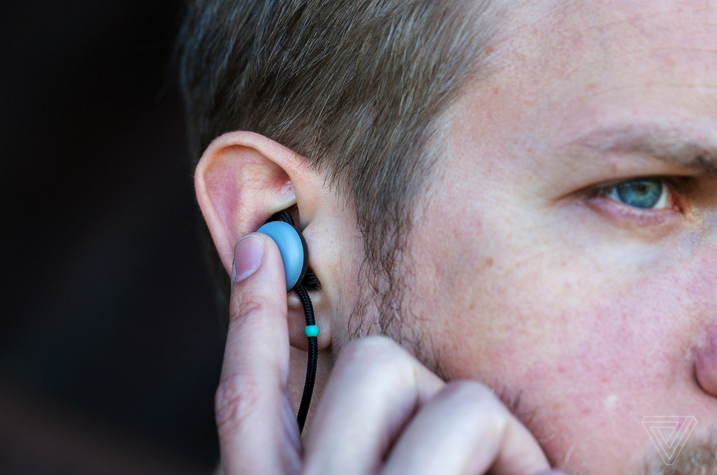 These New Super-Canggih Earbuds Can Help Translate Other Languages In Real Time!