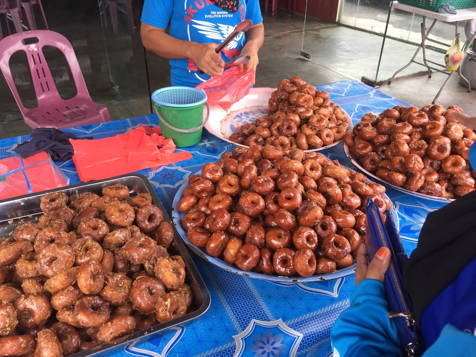 It's almost 2018, and we've yet to try this wonderful traditional kuih. *sobs*