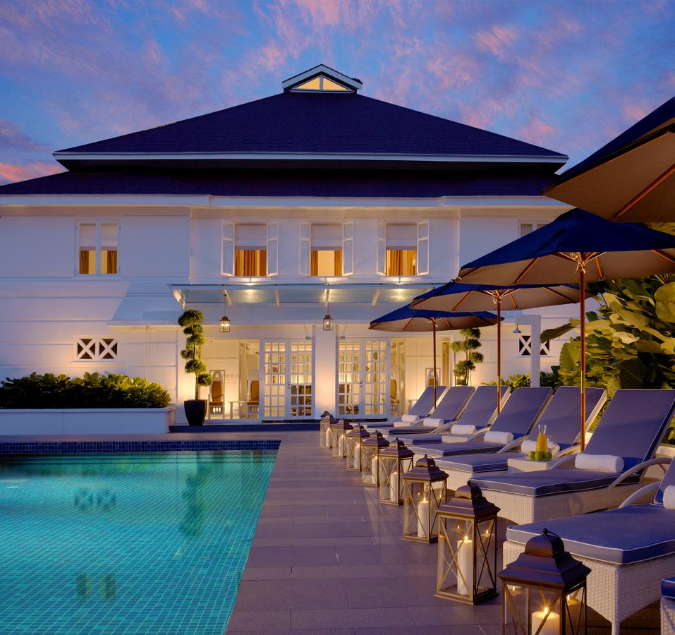 You can catch the sunset while lounging at the pool.