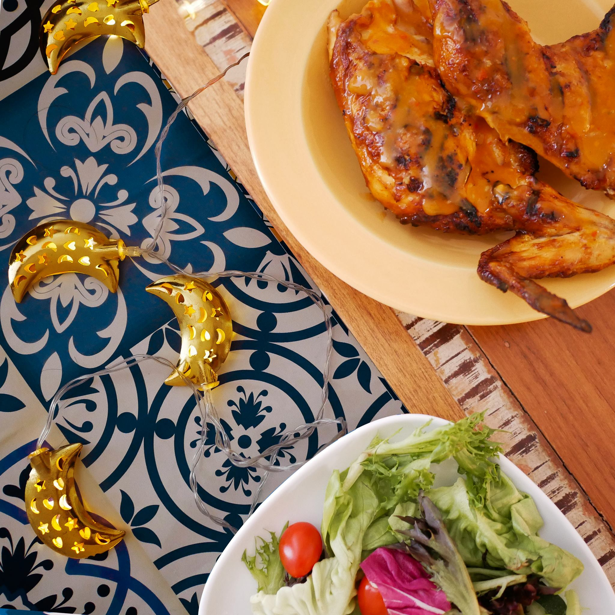 Look at that pretty, glistening PERi-PERi chicken waiting for you.