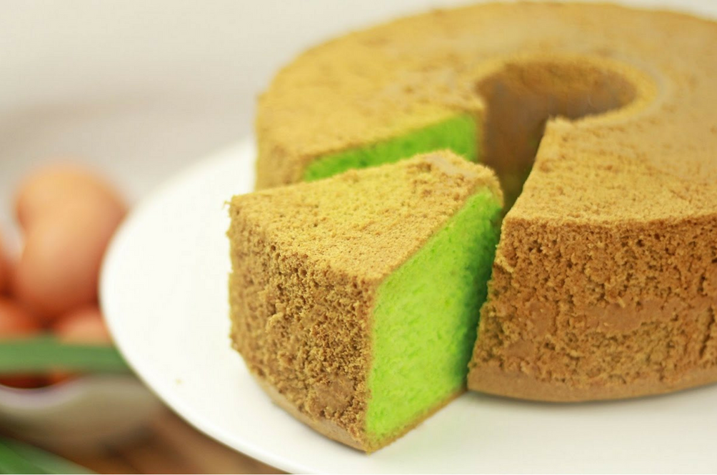 CNN Dubs Pandan Cake As One Of The World's Best Cakes But Can't Decide If It Belongs To Malaysia Or Singapore