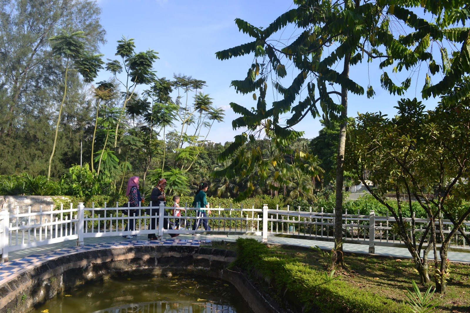 Lush green trees fill this area so you'll have plenty of shade and oxygen!