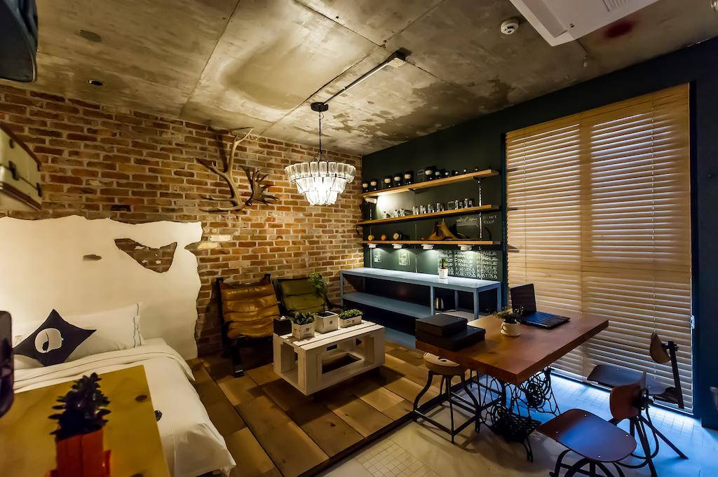 A rustic take on one of their rooms.