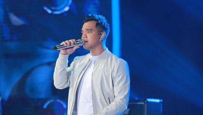 Alif performing at the Muzik-Muzik semi finals.