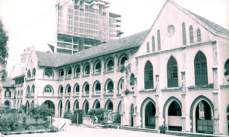 SMK Convent Bukit Nanas in 1998.