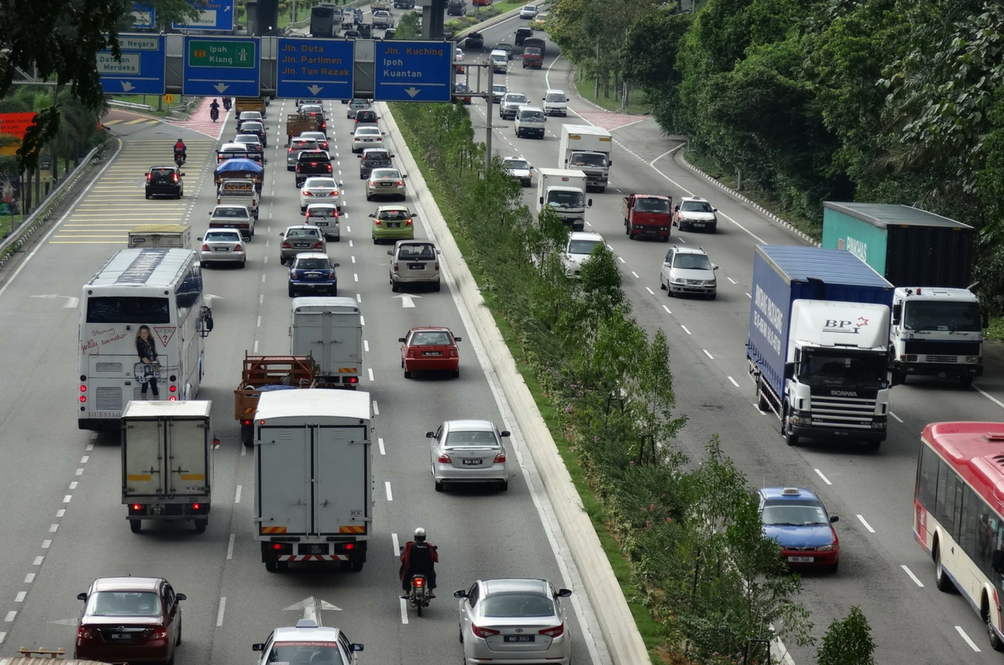 Heavy Vehicles Will Be Banned From Malaysian Roads During Chinese New Year Period