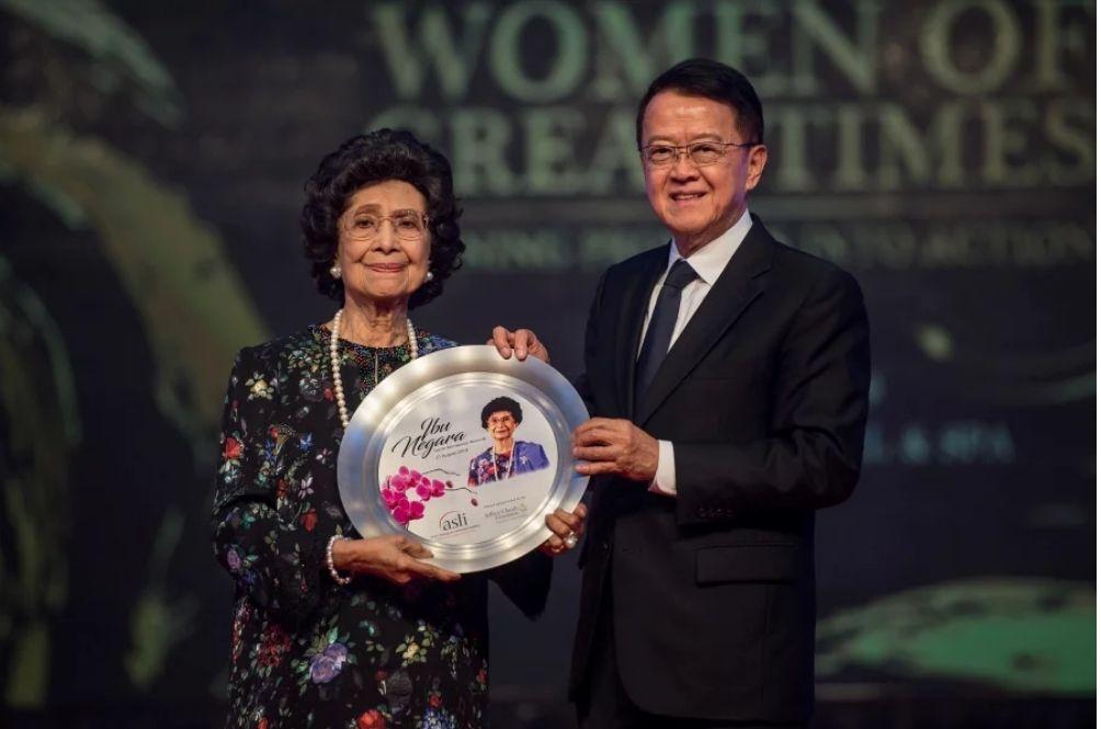 Tun Dr Siti Hasmah Has Been Awarded The 'Ibu Negara' Title