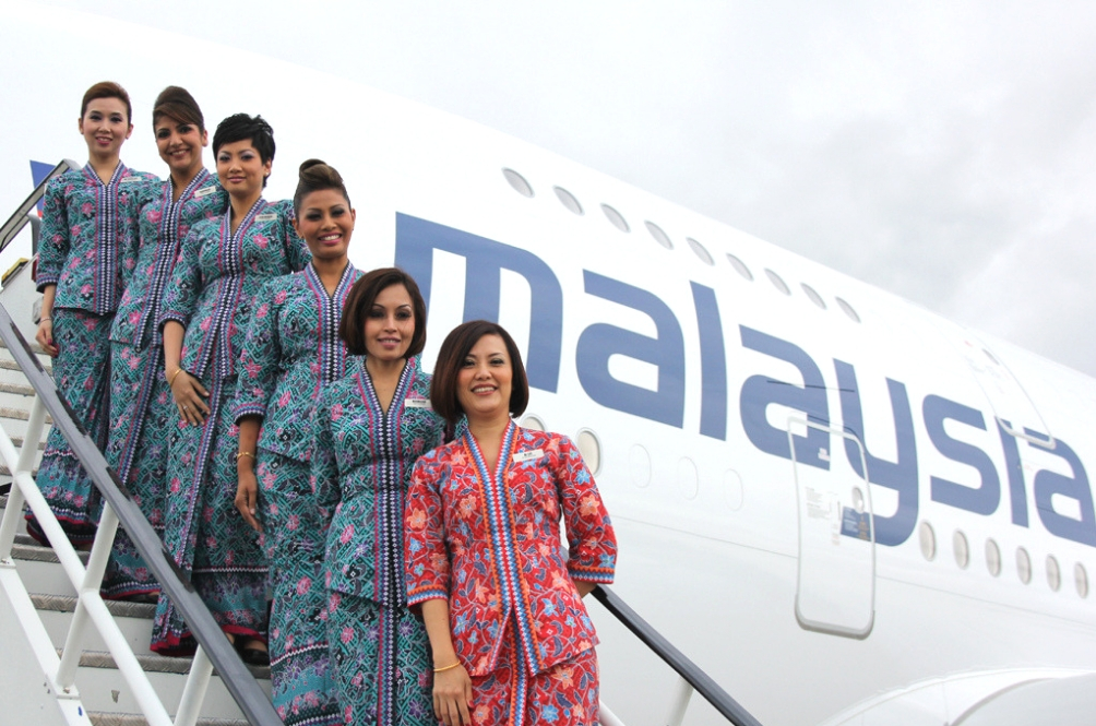 "Malaysia Airlines' Kebaya Uniform Has Been Listed As ""Most Beautiful Airline Uniform In The World"""
