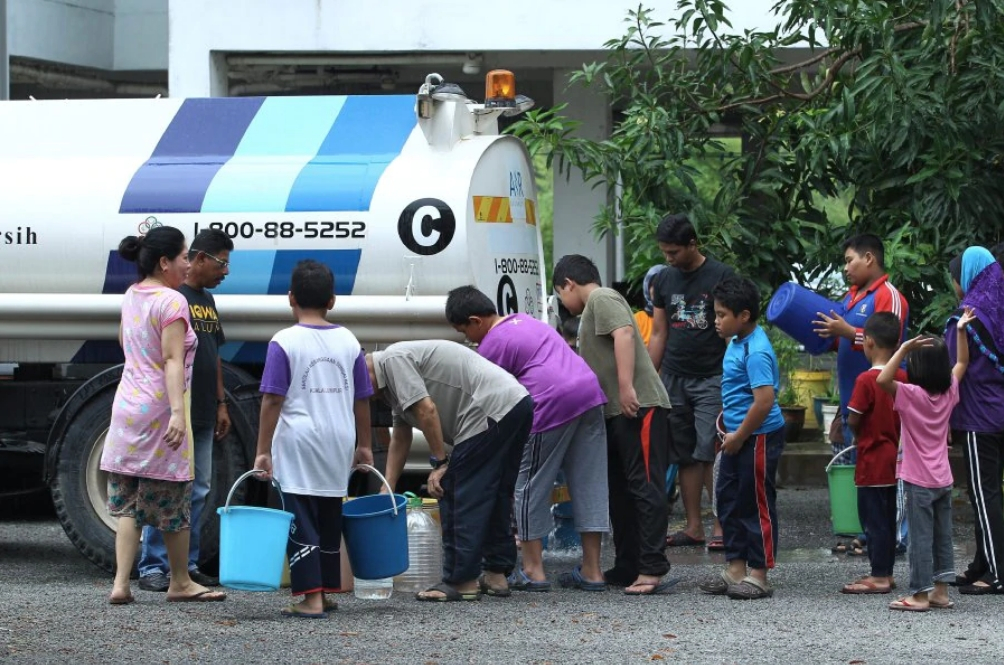 Brace Yourselves, 476 Areas In Selangor Will Be Facing Water Disruption For 72 Hours