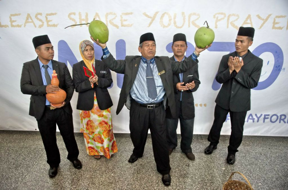 Remember The Coconut Raja Bomoh? He Wants To Contest In #GE14