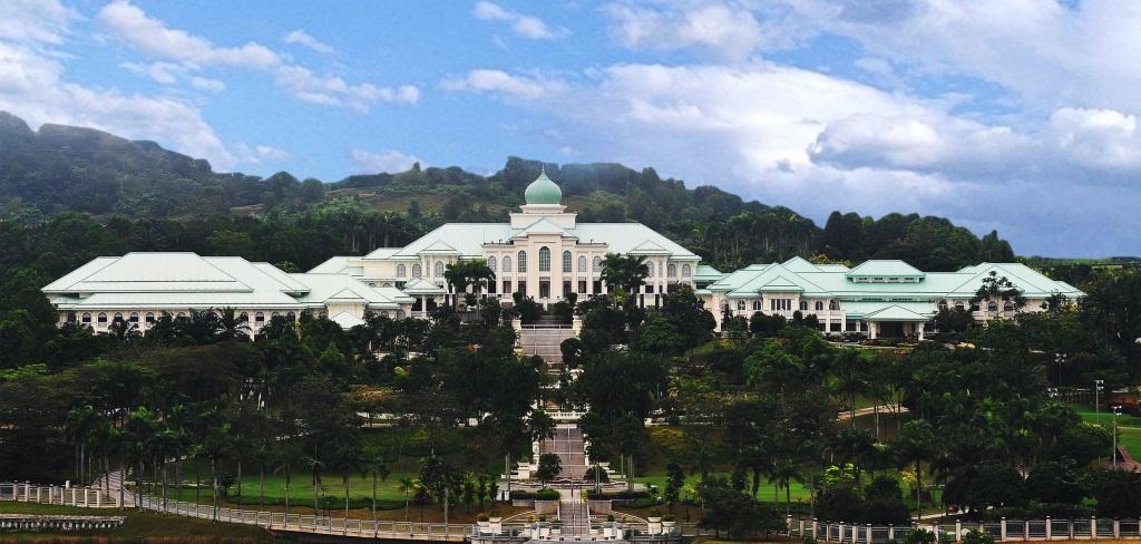 The majestic Seri Perdana.