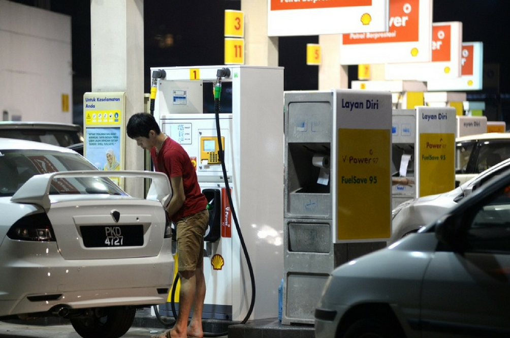 Malaysians Living In Urban Areas May Enjoy Petrol Discounts In The Future