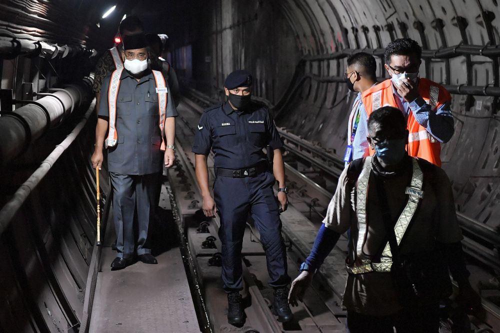 The face mask he wore during his rounds in the tunnels apparently costs close to RM2,000.