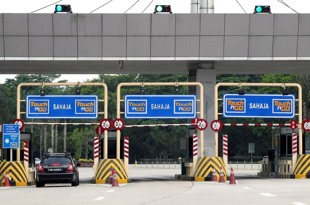 Be Prepared, All Touch 'n Go Top Up Lanes Will Be Closed For Hari Raya